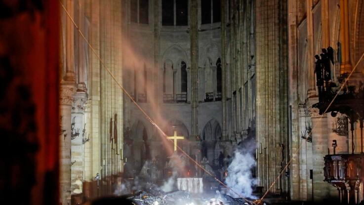 Photos - Incendie Notre-Dame de Paris : les premières images impressionnantes de l'intérieur de la cathédrale