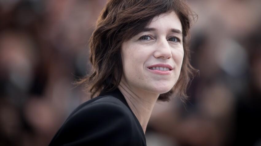 """Charlotte Gainsbourg change de look : elle a opté pour une coupe """"shag"""""""