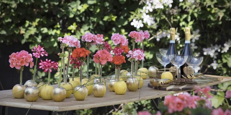 Table de fête : un centre de table avec des géraniums
