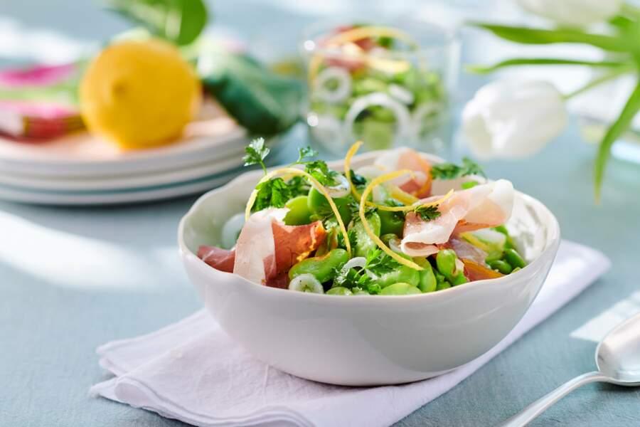 Salade croquante de fèves et oignons nouveaux