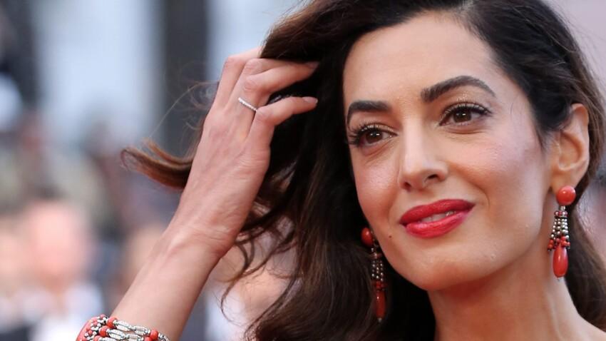 Amal Clooney divine dans un total look blanc (what else) !