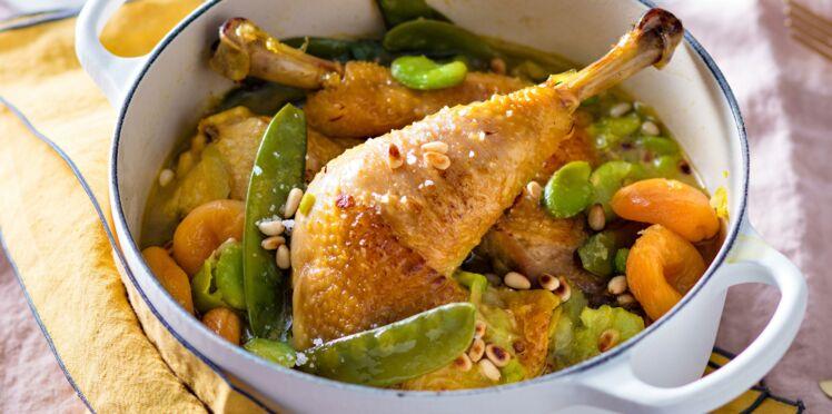 Cocotte de volaille aux fèves et abricots secs