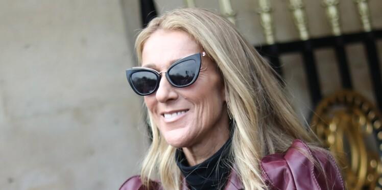 Céline Dion : jean et débardeur, elle pose ultra-stylée dans … une baignoire