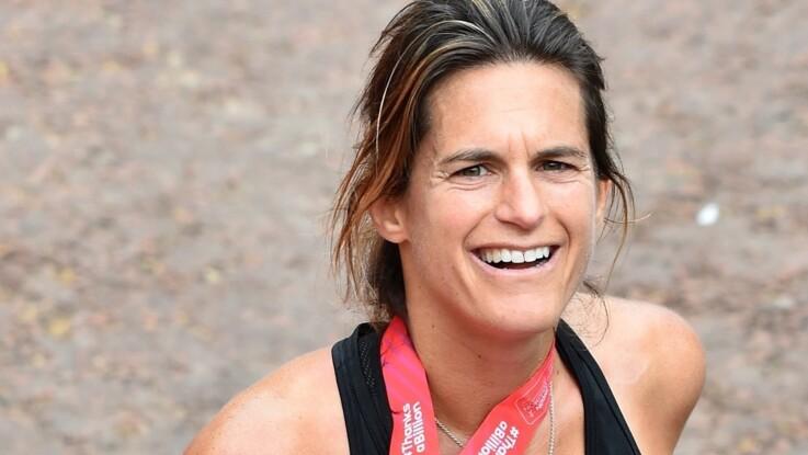 VIDÉO - Trop craquant ! Amélie Mauresmo termine le marathon de Londres avec son fils de 3 ans