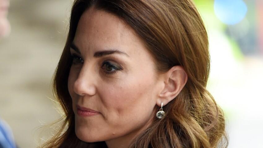 Photos - Kate Middleton sublime dans une robe très près du corps (chic et moderne !)