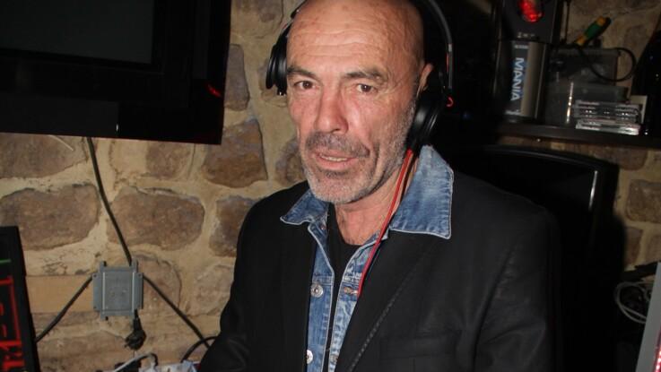 """Philippe Corti, DJ de Tout le monde en parle, révèle les dessous très """"hot"""" des coulisses de l'émission"""