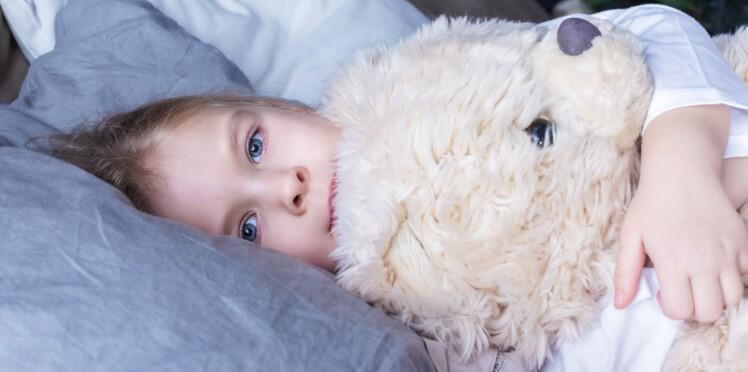 Bébé qui peine à s'endormir ou se réveille la nuit : la méthode d'Aude Becquart, spécialiste du sommeil