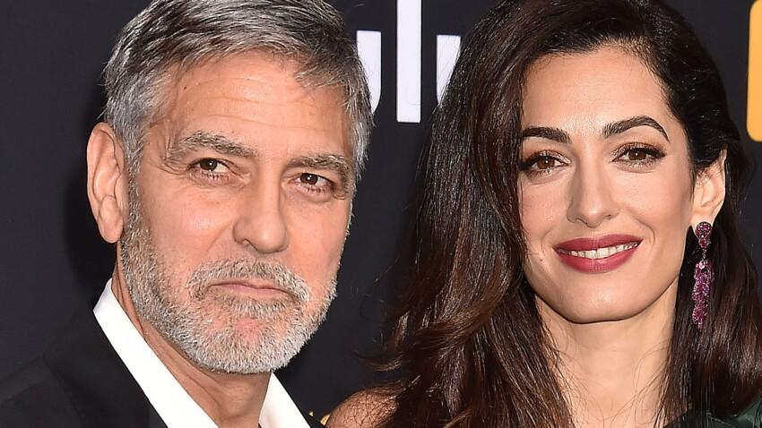 Photos - Amal Clooney, en mini (mini !) robe, elle est canon au bras de George !