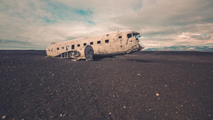 Ce qu'il ne faut jamais faire lors de l'évacuation d'un avion