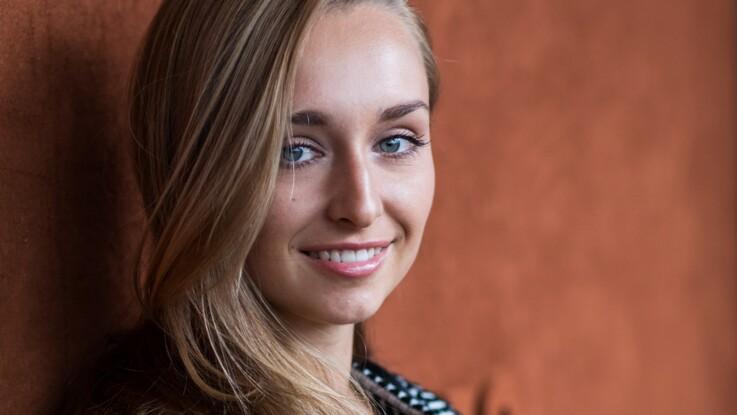 """Emma Smet : la petite-fille de Johnny Hallyday bientôt dans """"Demain nous appartient"""""""