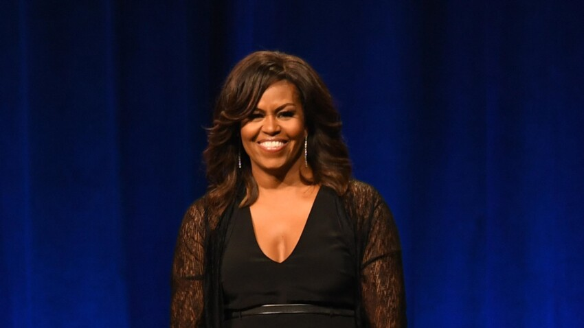 PHOTO - Michelle Obama très élégante dans une combinaison décolletée et fendue aux jambes