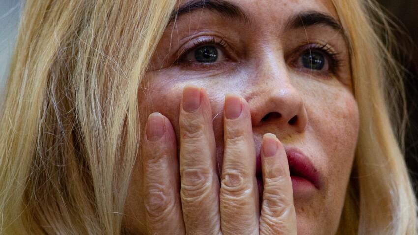 Photo - Emmanuelle Béart se dévoile au naturel, sans maquillage, pour expliquer son absence à Cannes