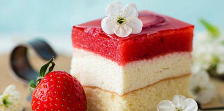 Entremets à la gelée de fraise