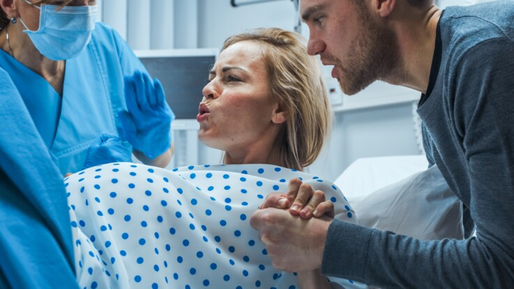 Des images 3D impressionnantes montrent comment la tête du bébé se déforme pendant l'accouchement