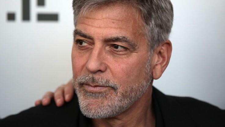 """George Clooney revient sur cet accident qui a failli le tuer : """"J'ai eu de la chance de ne pas mourir"""""""