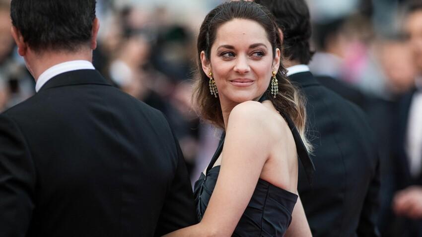 Micro short et nombril à l'air : Marion Cotillard ose un look improbable sur le tapis rouge de Cannes (et c'est canon) !