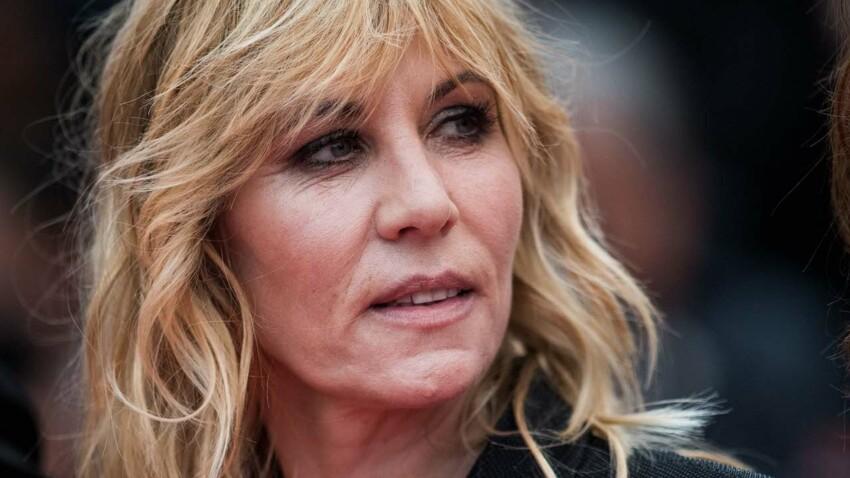 """Mathilde Seigner parle de Johnny Hallyday et de sa """"cour de faux culs"""""""