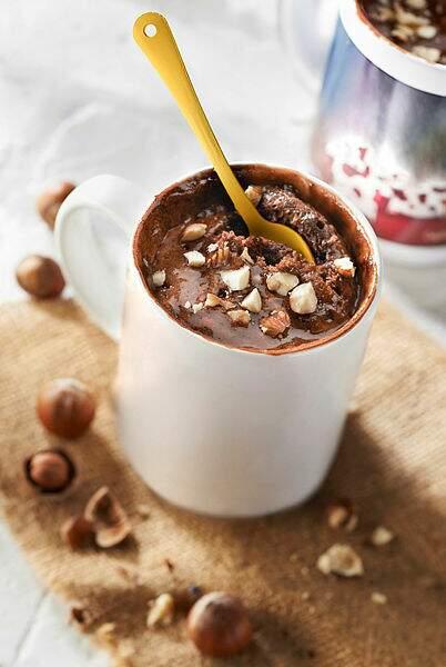 Mug cake chocolat et noisettes