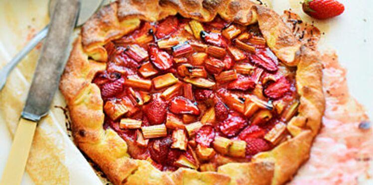 Tarte rustique fraise-rhubarbe