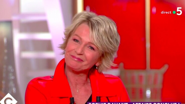 Vidéo-Sophie Davant répond aux moqueries de Jérôme Commandeur sur Affaire Conclue