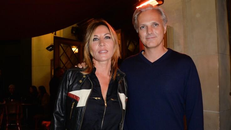 """Mathilde Seigner ses propos cash sur Mathieu Petit, son compagnon : """"Je ne lui laisse rien passer"""""""