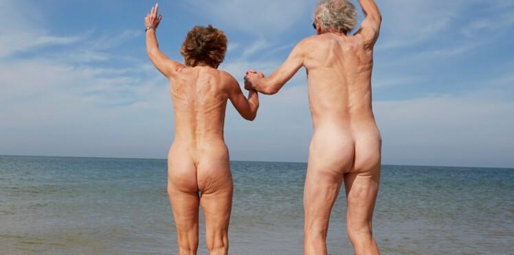 Séquence insolite: quand des policiers interviennent dans l'appartement d'un couple naturiste au Cap d'Agde
