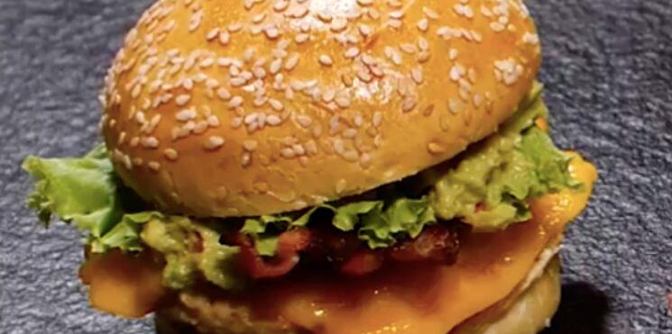 Cheeseburger à l'avocat