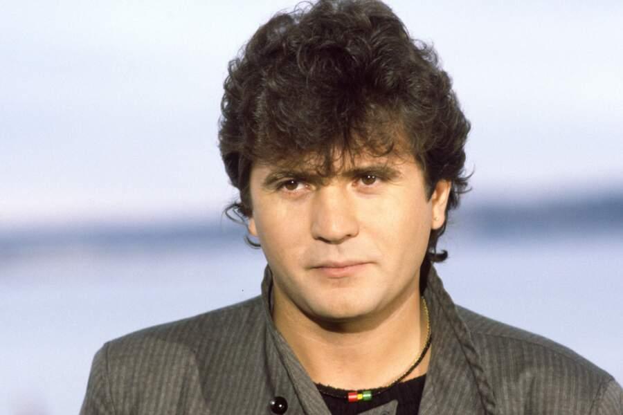C'est en Afrique, au Mali, que Daniel Balavoine trouva la mort dans un accident d'hélicoptère le 14 janvier 1986.