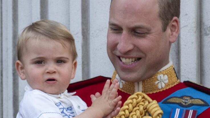 À un an, le prince Louis fait le show lors de sa première apparition publique