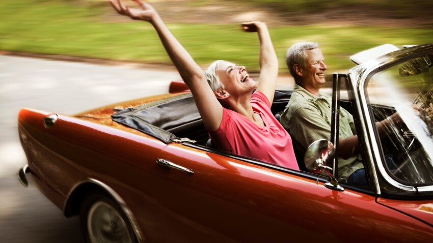 """Non, le macaron """"senior"""" en voiture n'est pas obligatoire"""