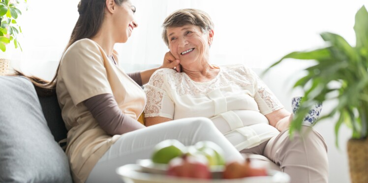 Proches aidants : de nouvelles mesures en faveur des personnes qui soutiennent un proche en situation de dépendance