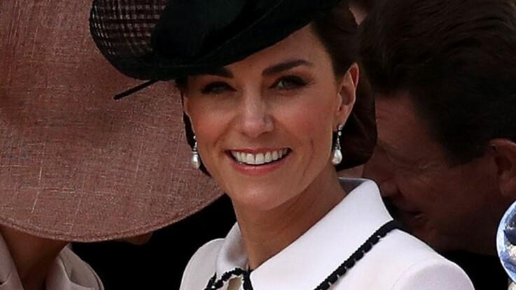 Kate Middleton ose la transparence dans une sublime robe bleu (et elle est craquante)