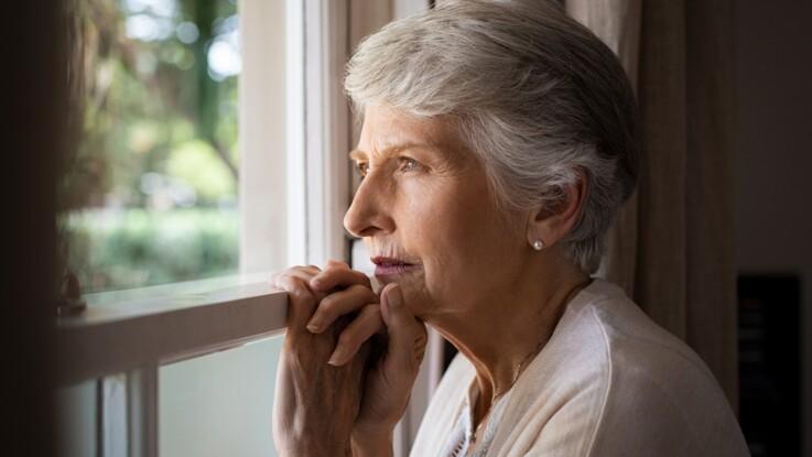 DMLA (dégénérescence maculaire liée à l'âge) : causes, symptômes, traitement et prévention