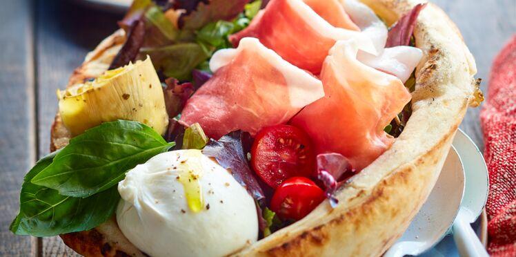 Pizza bowl de salade italienne au jambon de Parme