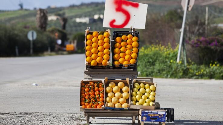 Fruits et légumes achetés au bord de la route, attention aux arnaques
