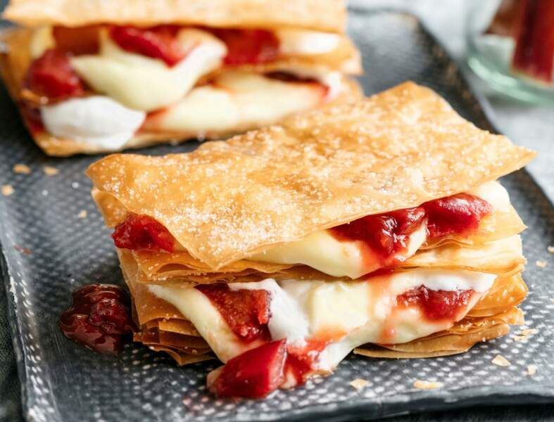 Millefeuille facile fraise-rhubarbe
