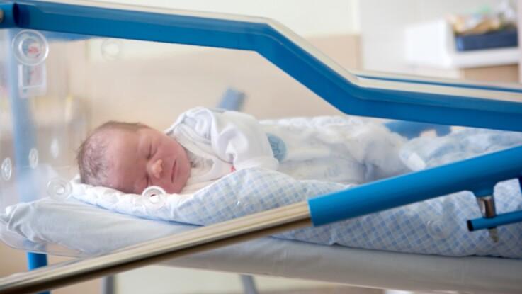 Après une ablation des trompes de Fallope, une femme tombe enceinte
