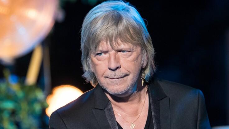 Renaud va mieux : le chanteur fait une rare apparition publique, en pleine forme, à l'Isle-sur-la-Sorgue
