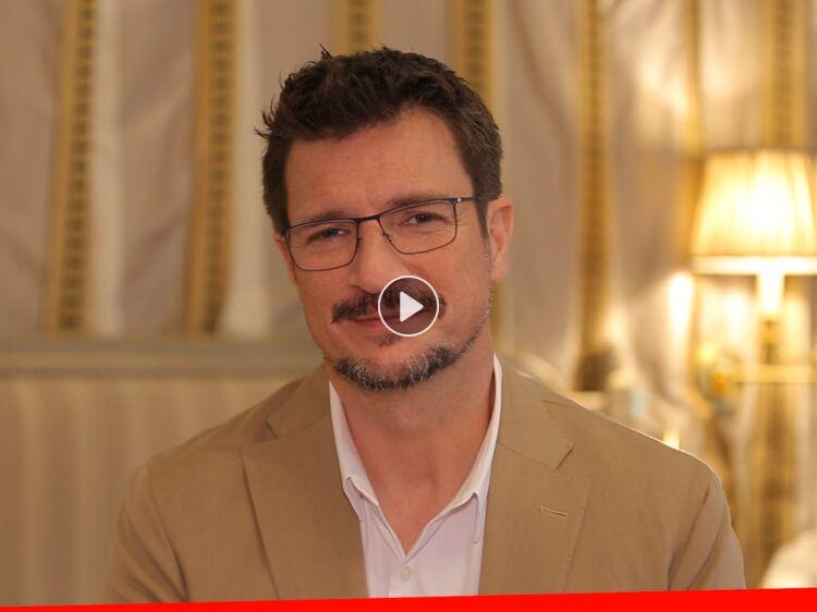 VIDÉO EXCLU - Nathan Fillion : sa vie après Castle, les enfants, ses projets au ciné… Il dit tout dans l'interview Search