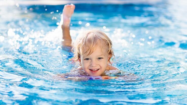 Otite de baignade : comment protéger les oreilles de son enfant ?