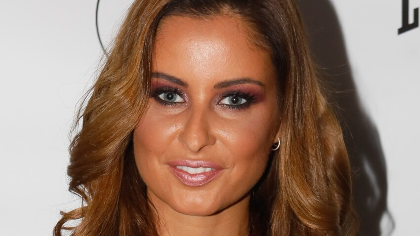 Malika Ménard : elle affiche un make-up glamour en djellaba transparente