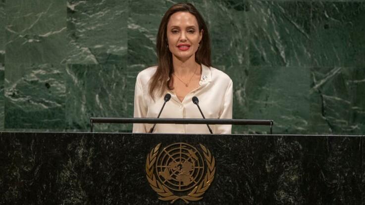 Angelina Jolie retrouve sa couleur de cheveux naturelle