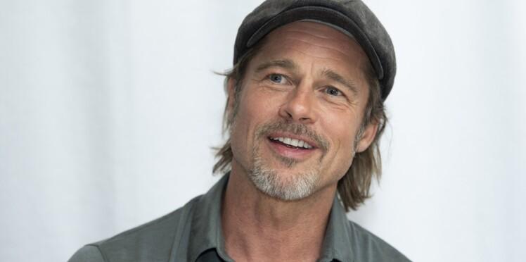 Brad Pitt affiche fièrement son tatouage en hommage à Angelina Jolie