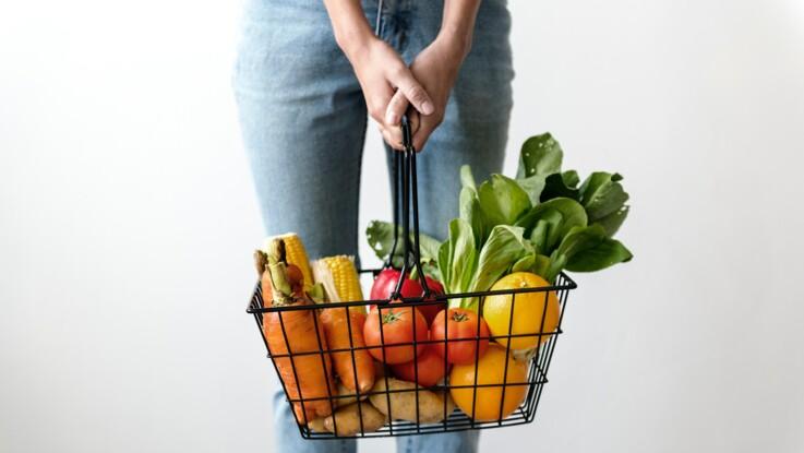 Alimentation équilibrée : 10 conseils de naturopathe pour bien faire ses courses