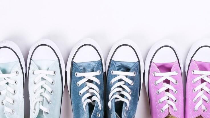 Baskets en toile indispensables : 5 façons de les porter tout au long de l'année