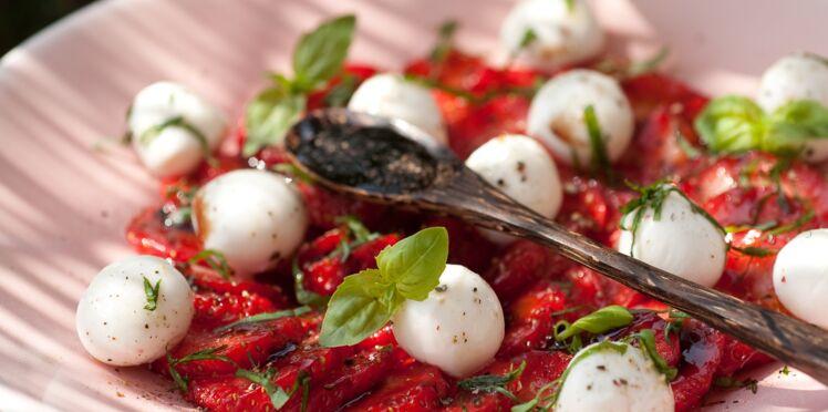 Carpaccio de fraises, mozzarella et basilic