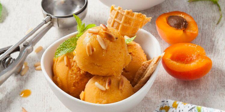 Sorbet aux abricots et aux pignons de pin