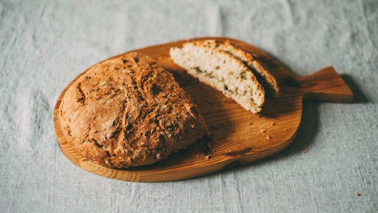 Baguette, pain tranché, pain à burger… Comment décongeler rapidement du pain ?