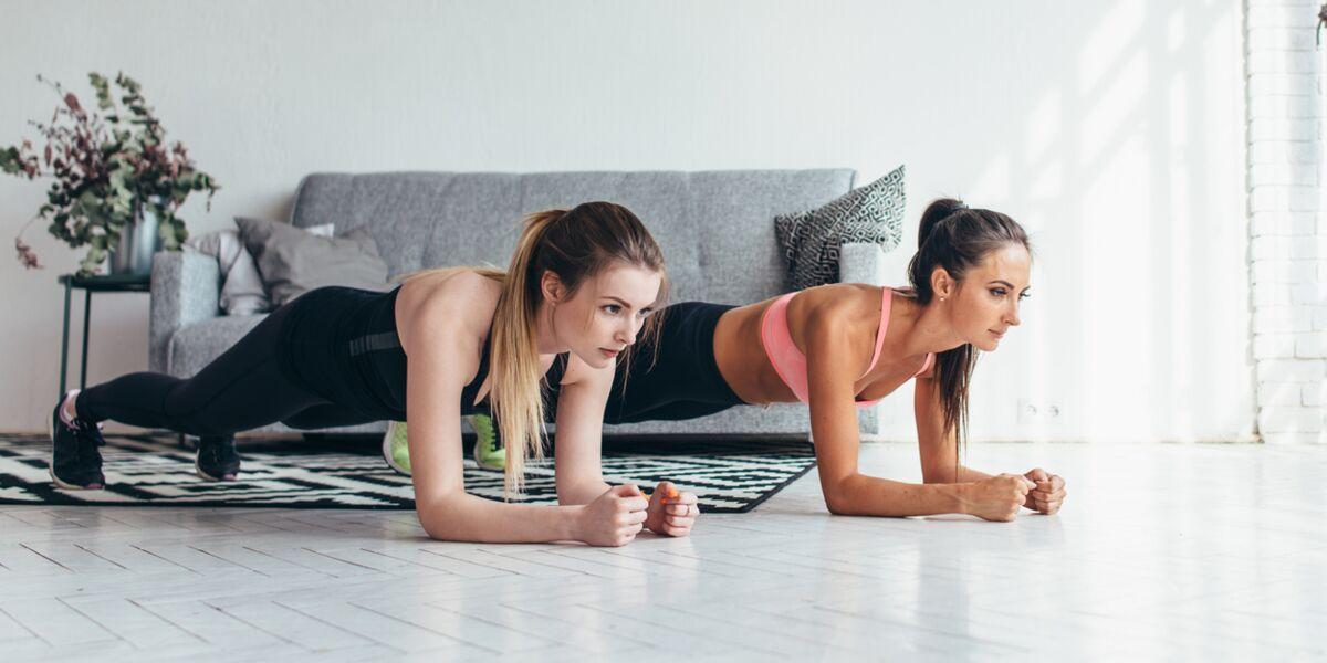 Musculation Du Dos Les 3 Meilleurs Exercices A Faire A La Maison Femme Actuelle Le Mag