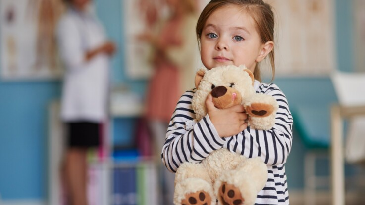 AVC de l'enfant : comment reconnaître les premiers symptômes pour réagir au plus vite ?